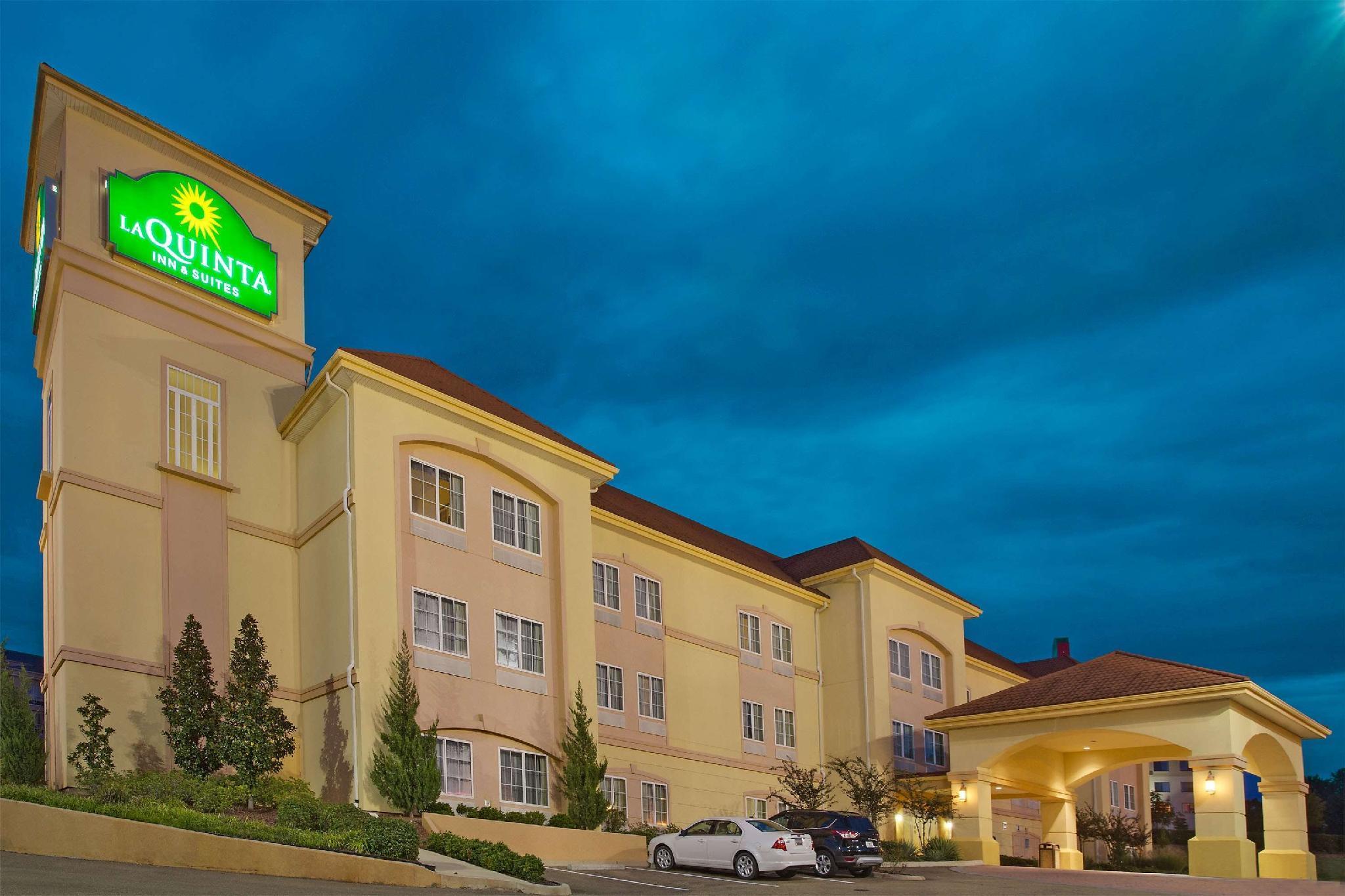 La Quinta Inn And Suites By Wyndham Vicksburg