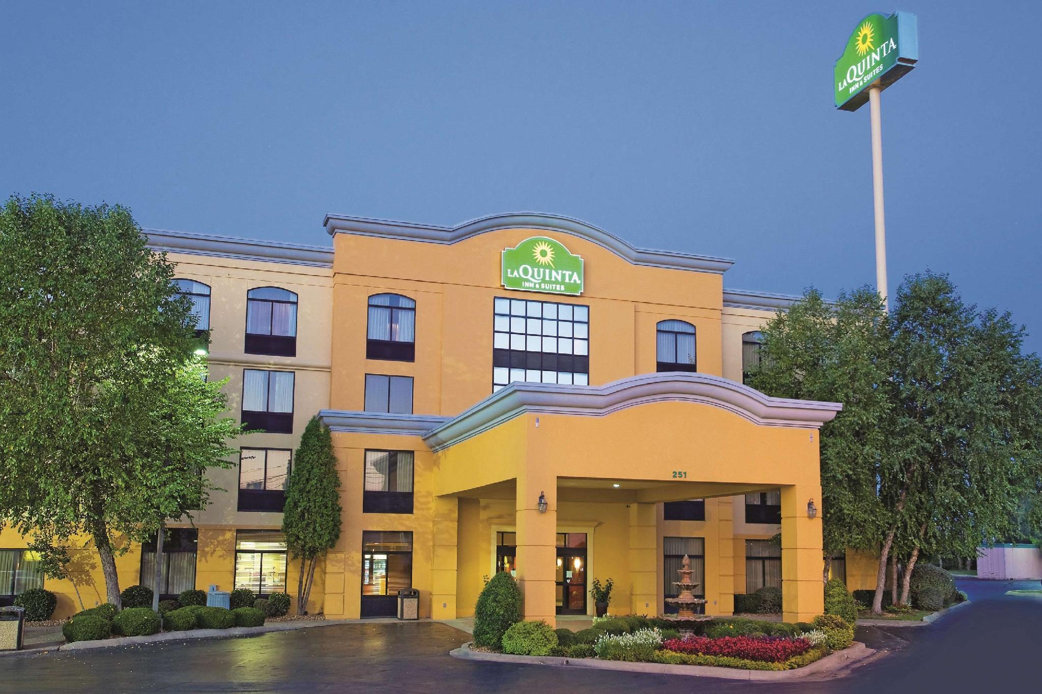 La Quinta Inn And Suites By Wyndham Clarksville
