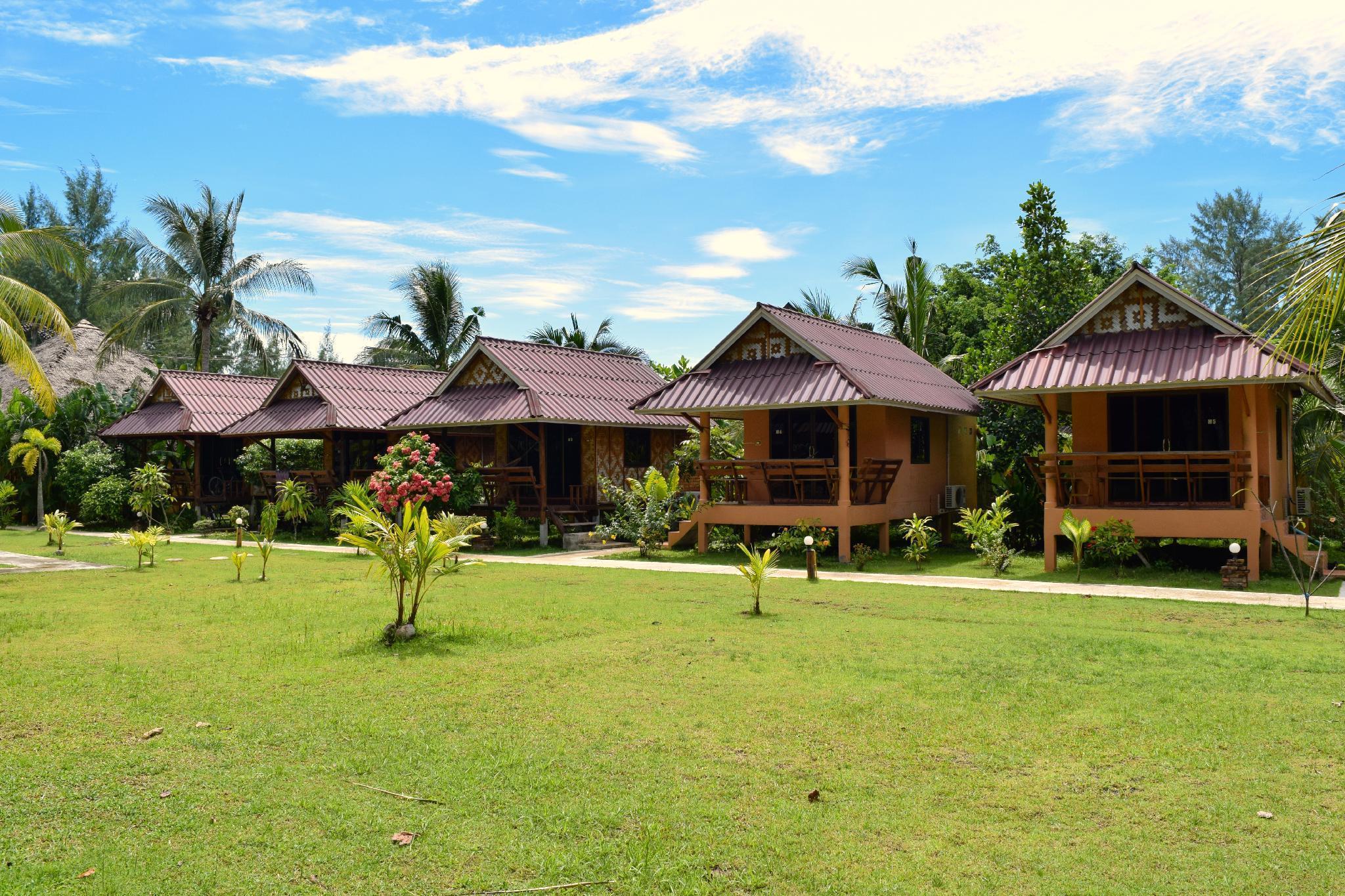 Lanta Pearl Beach Resort ลันตา เพิร์ลบีช รีสอร์ท