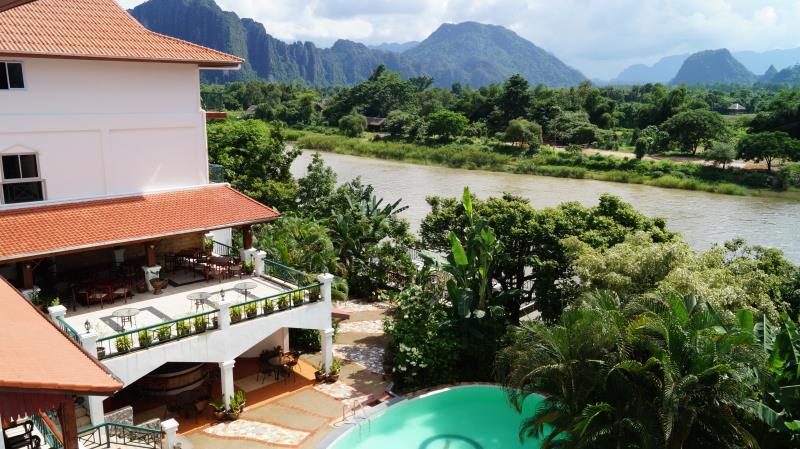 Vang vieng jammee guesthouse in laos asia for Domon guesthouse vang vieng