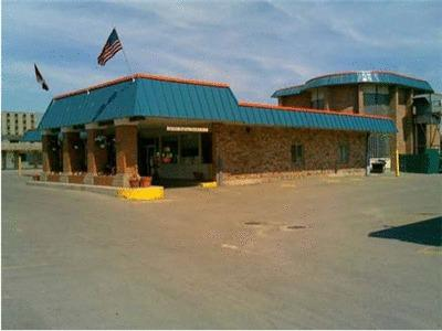 Northwoods Inn And Suites