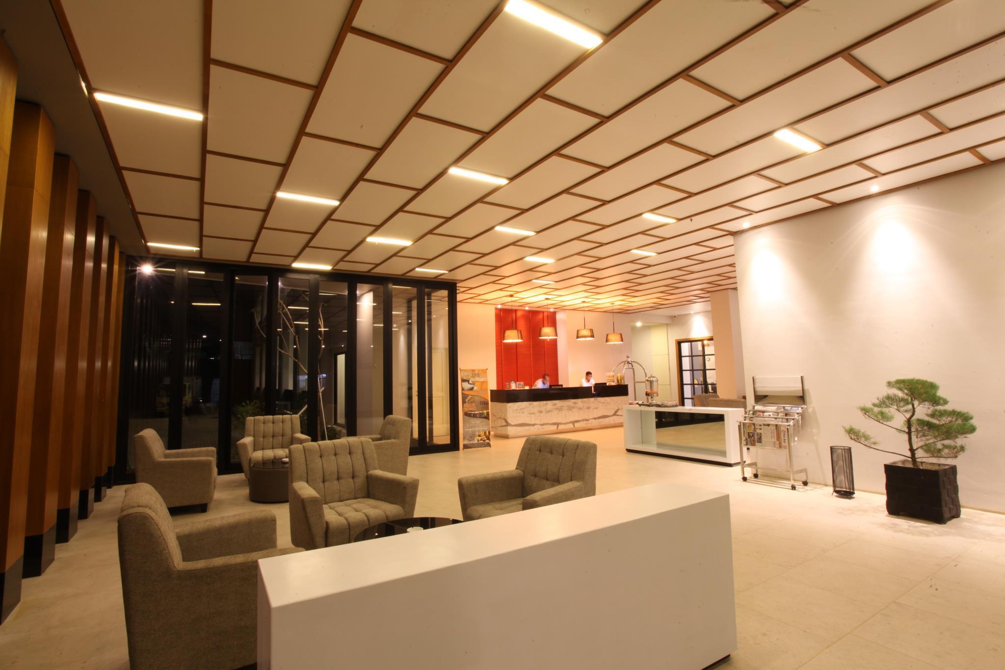 Price Helios Hotel & Convention