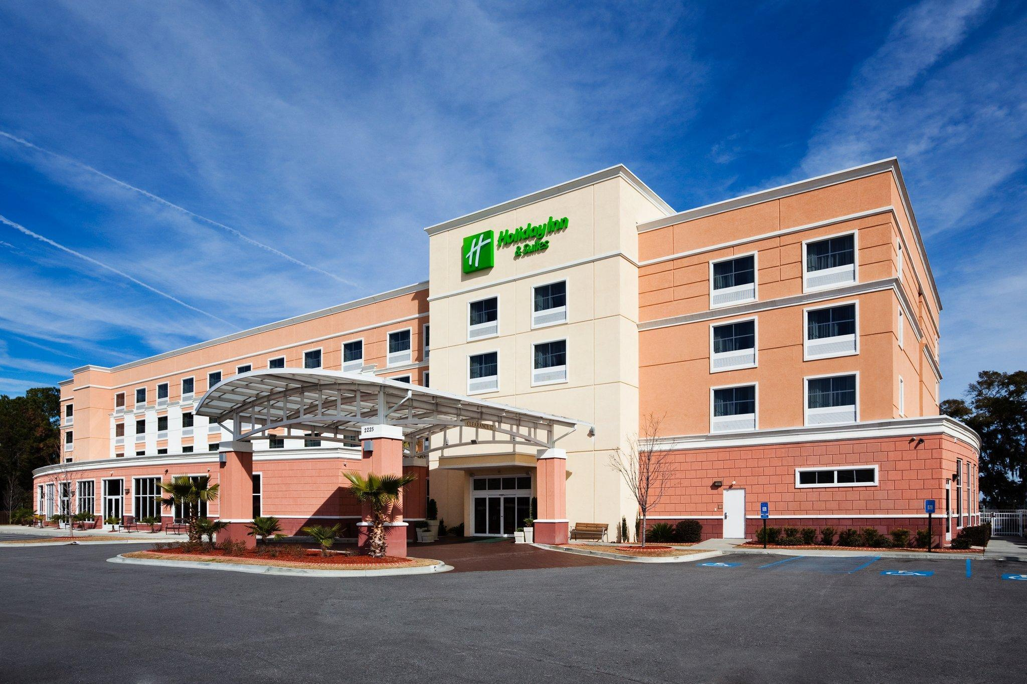 Holiday Inn Hotel And Suites Beaufort At Highway 21
