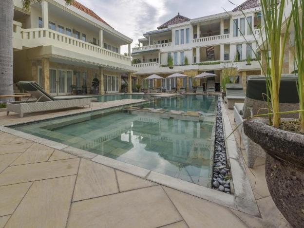 Bali Court Hotel & Apartment