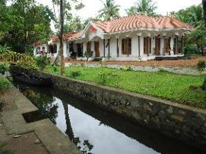 Coconut Creek Kumarakom Homestay Hotel