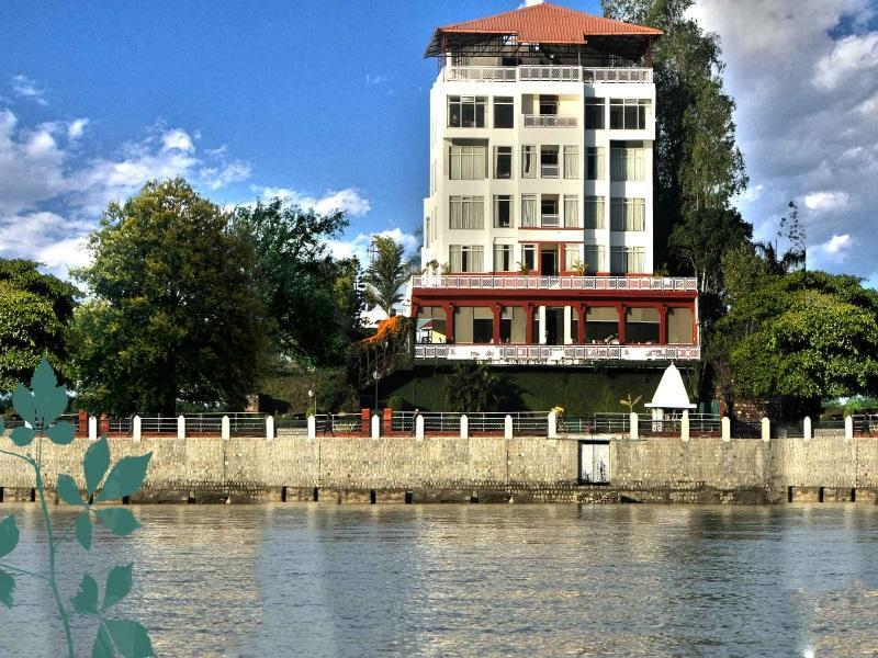 Ganga Kinare   A Riverside Boutique Hotel