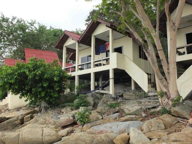 ซันไรส์ วิลลา ซีวิว – Sunrise Villas Seaview