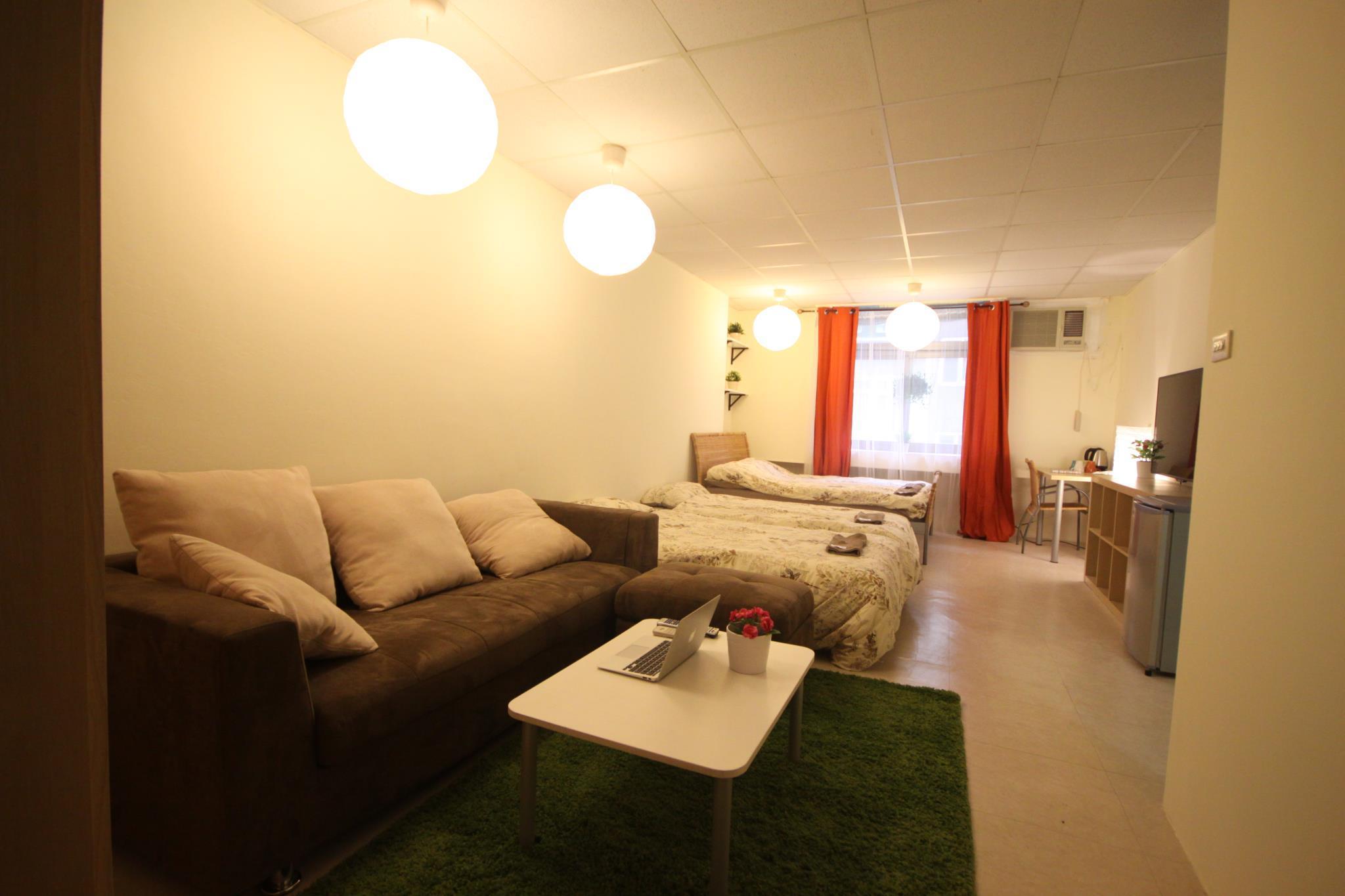 OldTaipei 4 People Studio Apartment   Raohe Night Market