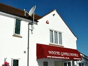 โรงแรมไวท์เกต (White Gates Hotel)