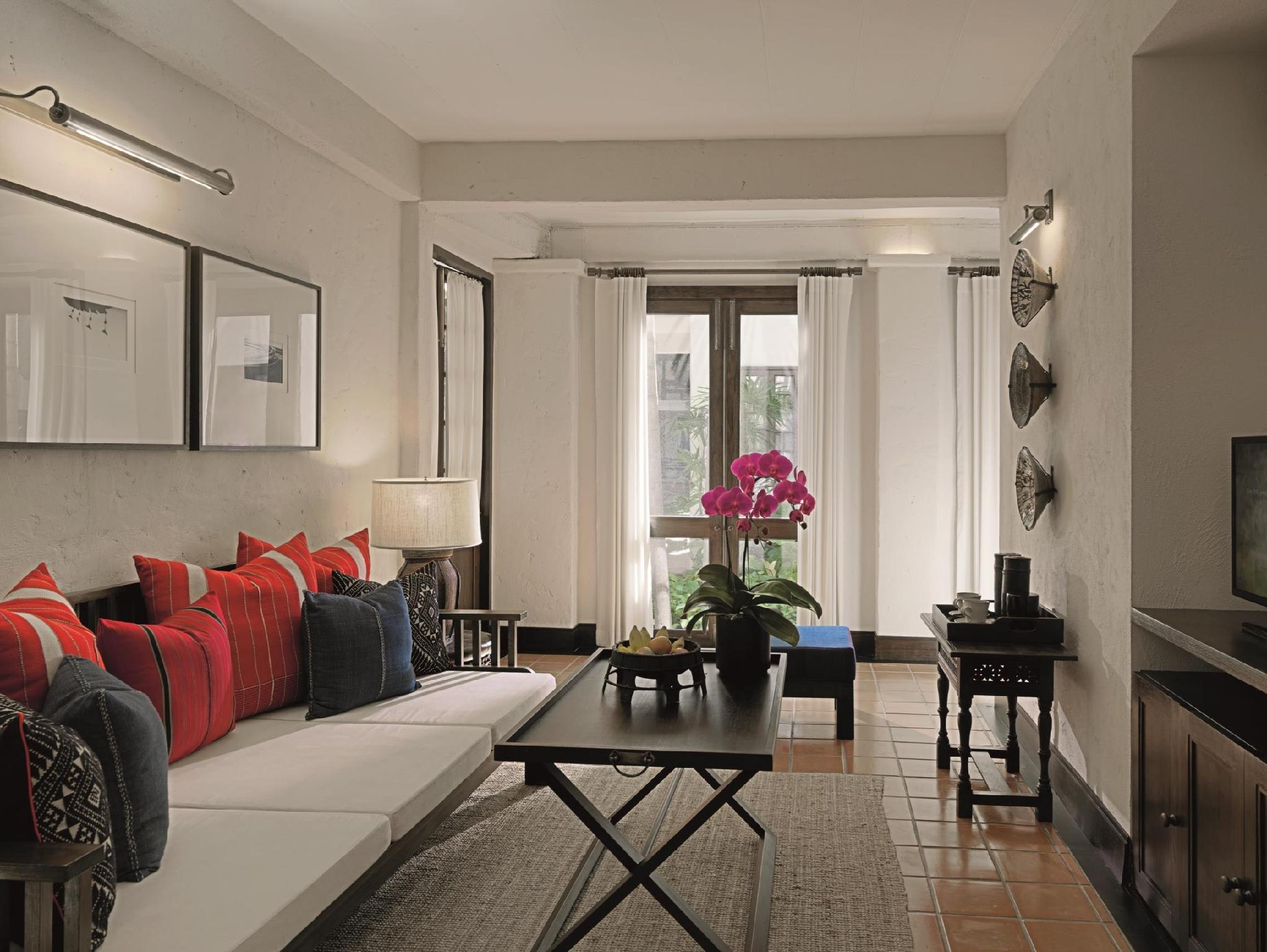 ... Separate Living Room ...