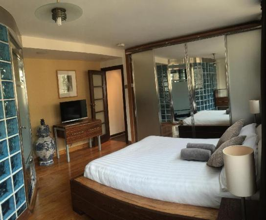 Fantastic 2 Bed 2 bath in very centre of London (Holcroft Court) London