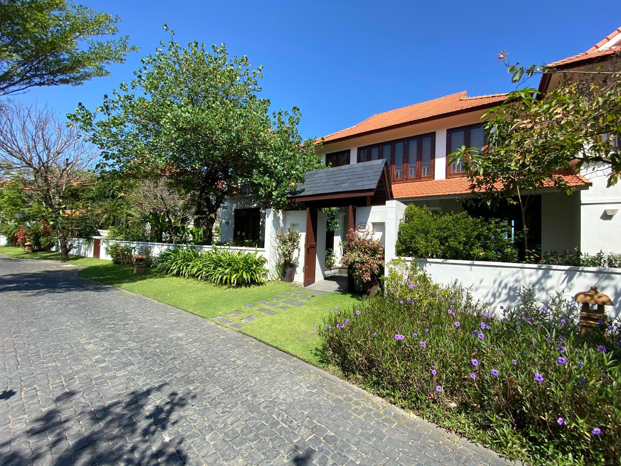 Tropical Villas Beach   3 Bedrooms Garden View