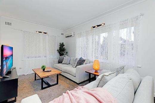 Private 4 Bedroom Beach House in Bondi