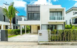 4 Bedroom Private Pool Villa in Laguna Phuket - Phuket