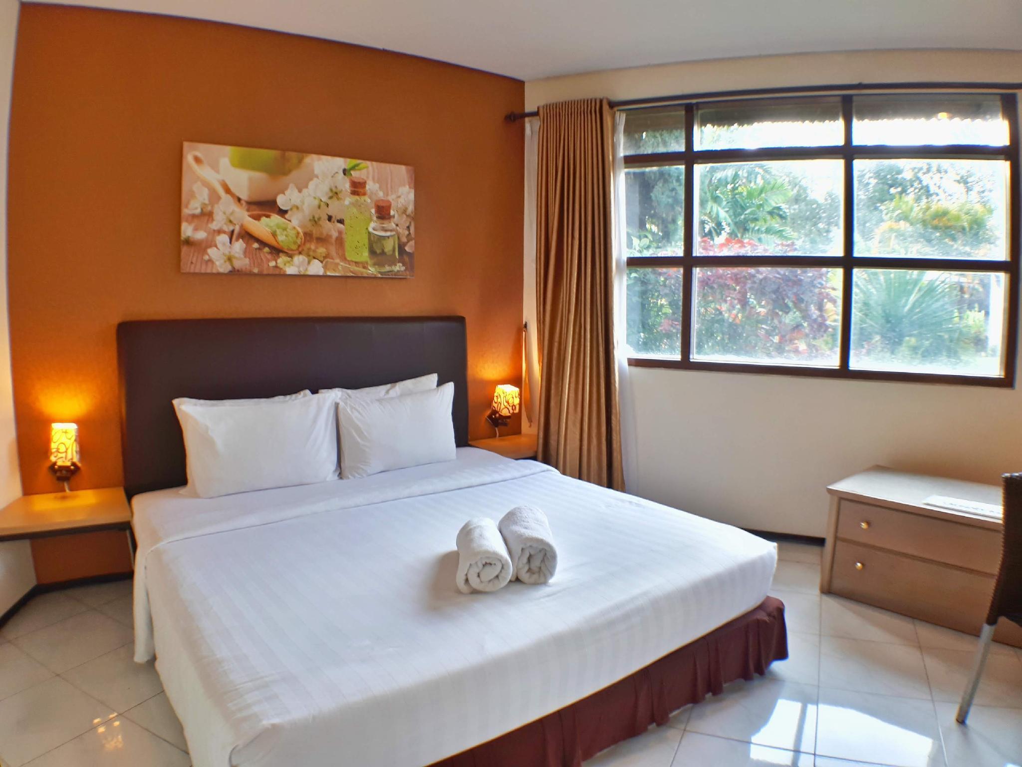 Villa 4 Kamar Klub Bunga Resort Dekat Jatim Park