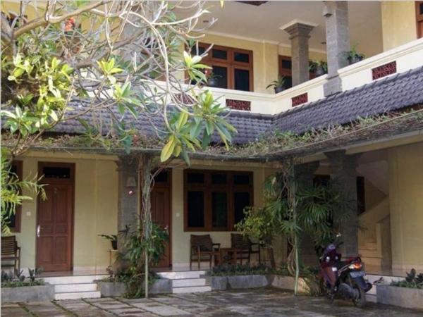Puri Bunga Inn Bali