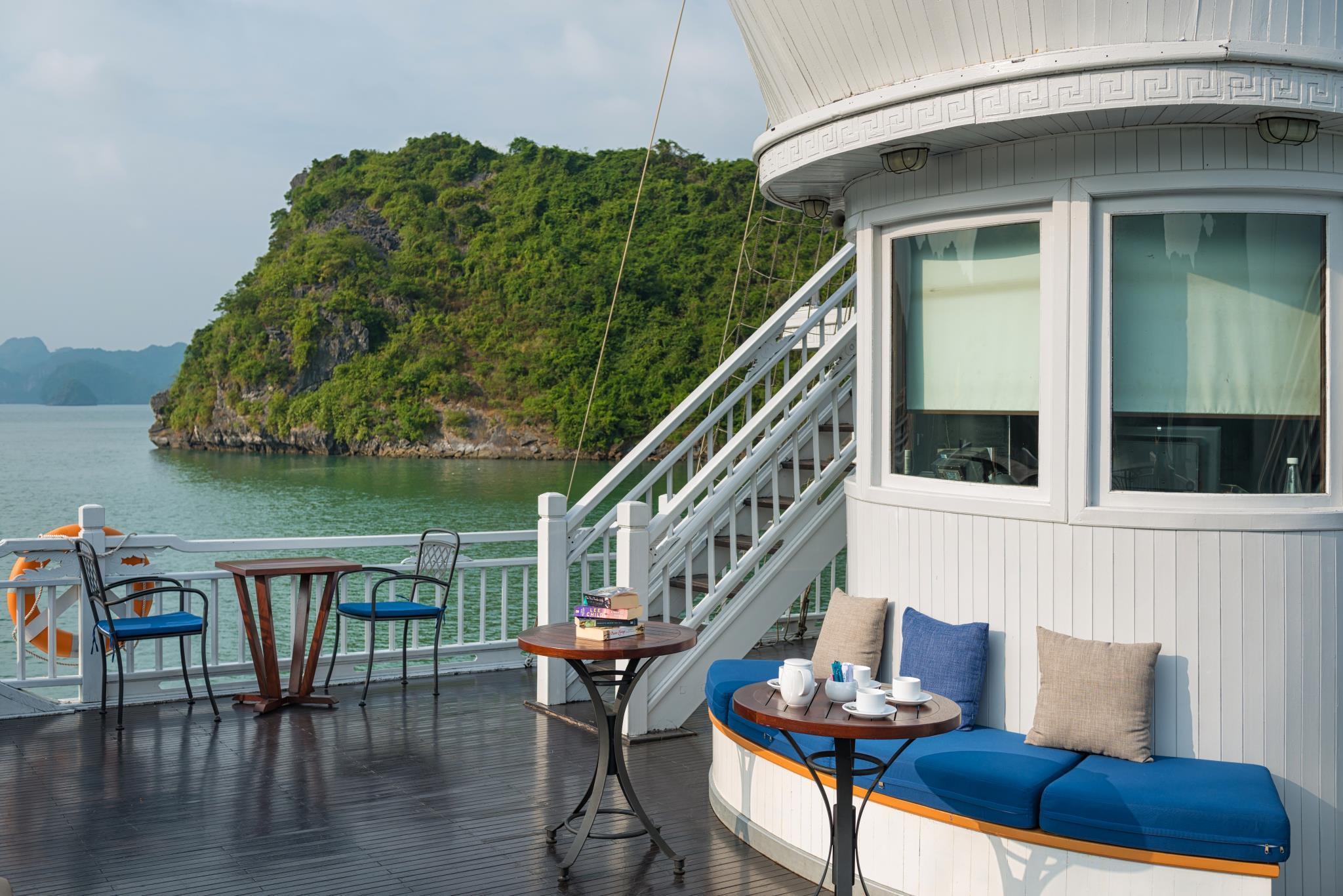 Paradise Prestige Cruise