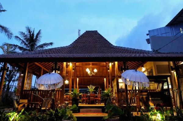 Kemboja Bed and Breakfast Cafe Malang
