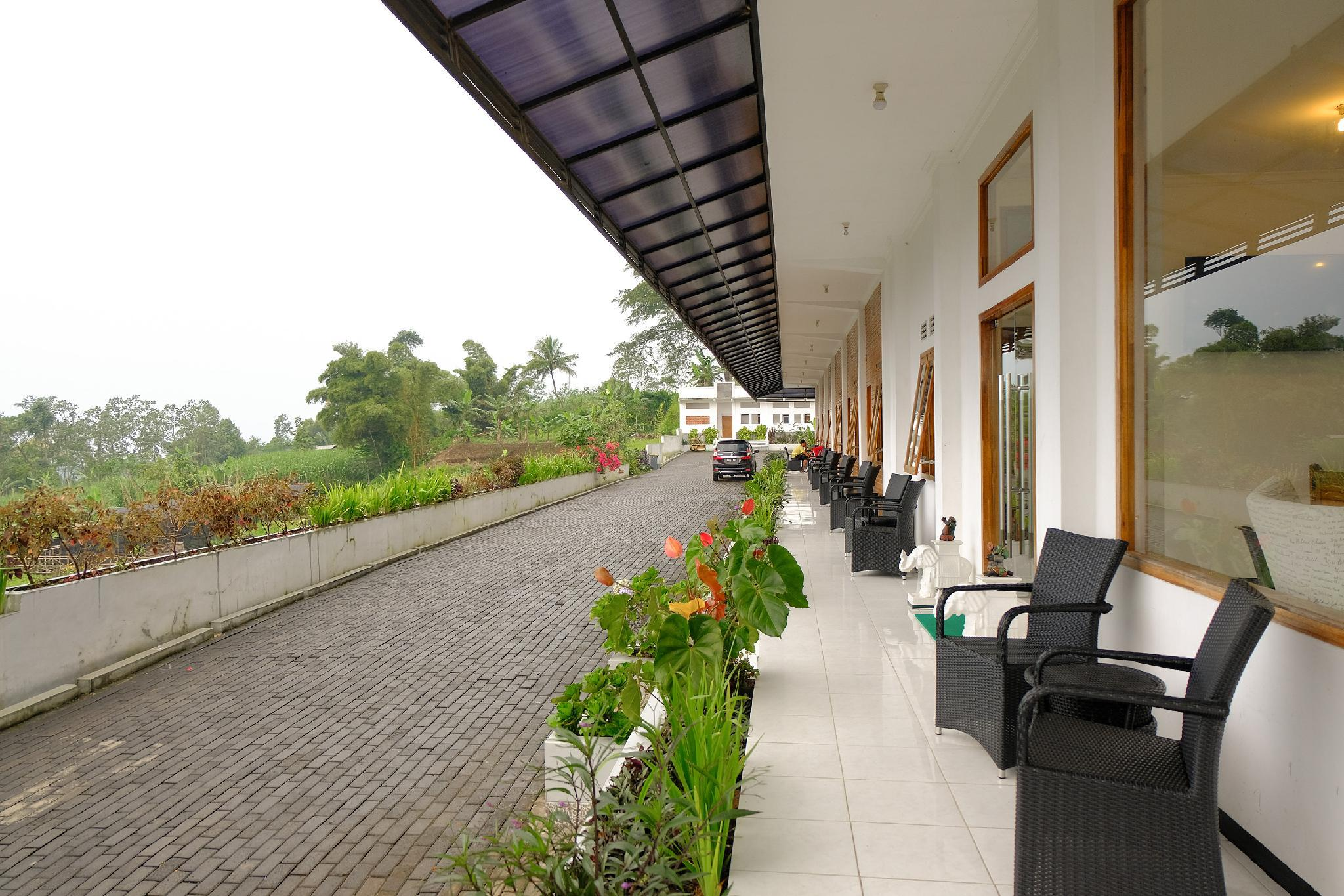 Hotel Kawi Surapatha