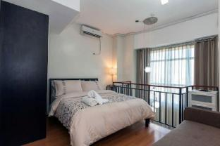 picture 1 of Expat's wife's loft makati (L9)