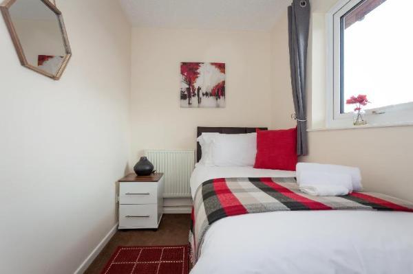 Bright, cosy 2 bedroom in a central location Milton Keynes