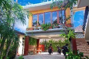 CRTris Rooms Seminyak 2 Bali