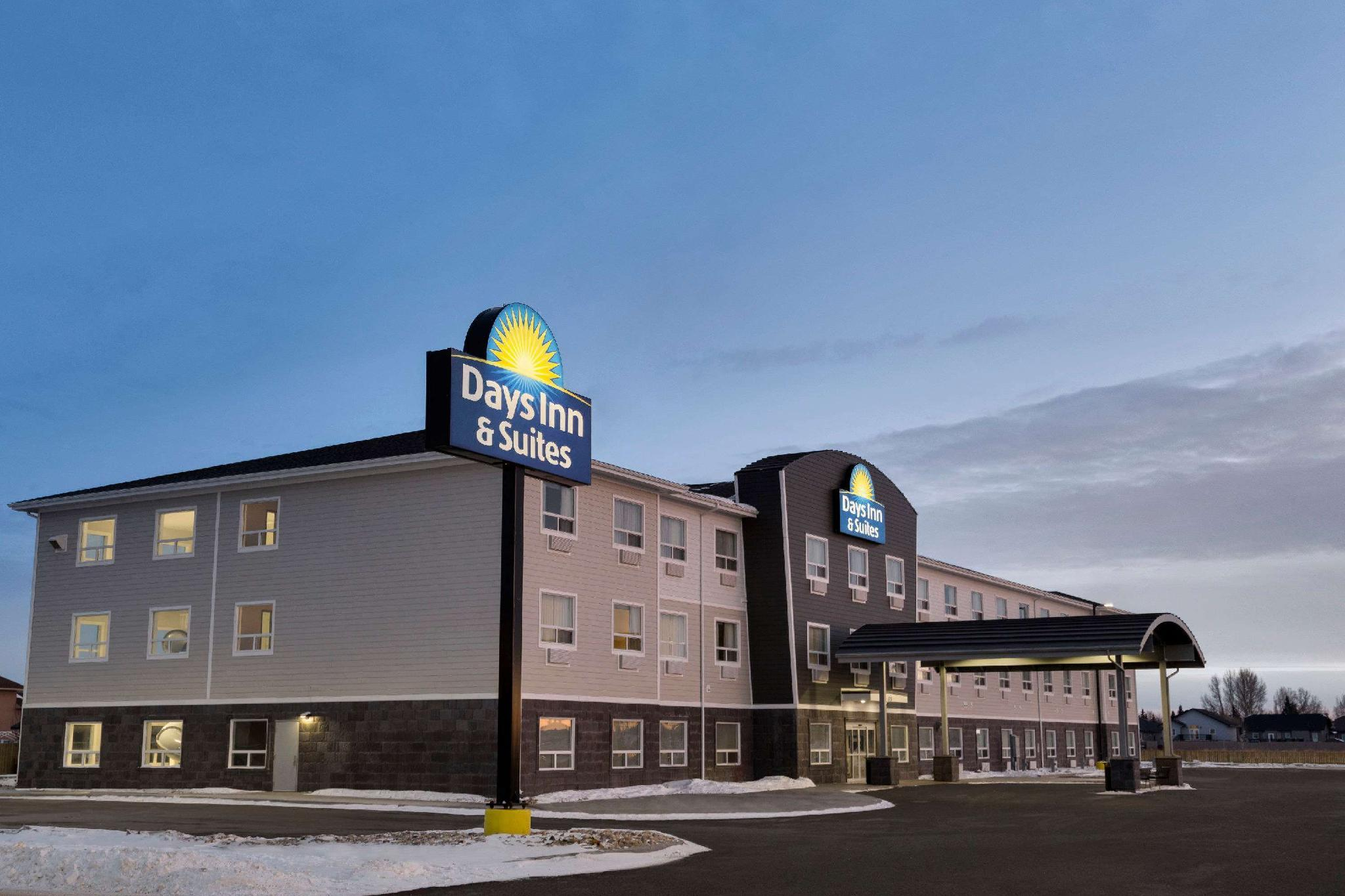 Days Inn And Suites By Wyndham Warman Legends Centre