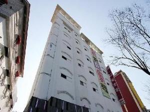 關於導航飯店 (Hotel Navi)
