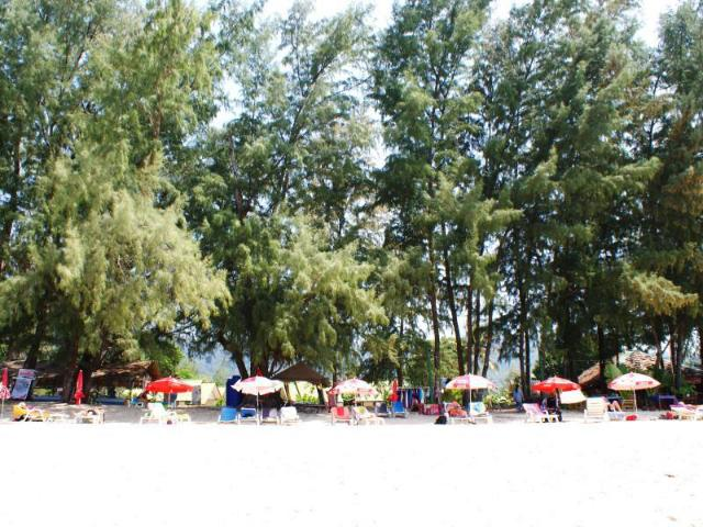 ลันตา ปาล์ม บีช รีสอร์ท – Lanta Palm Beach Resort