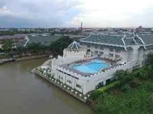 Buddy Oriental Riverside Hotel