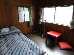 Tennoji Downtown Hostel - Women Only