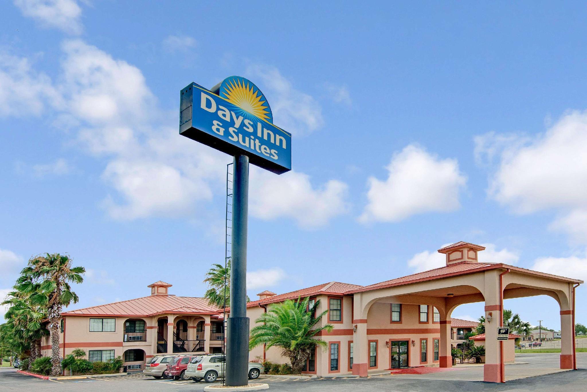 Days Inn And Suites By Wyndham Braunig Lake