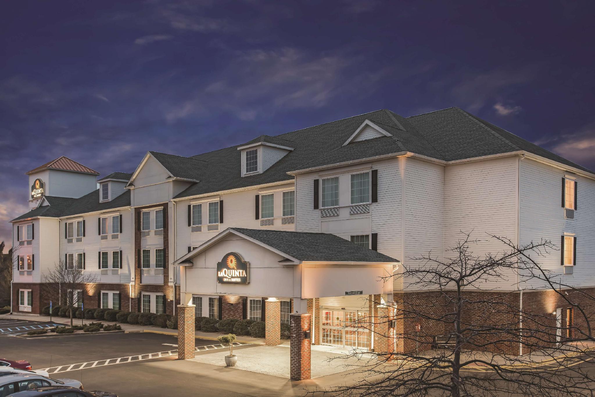 La Quinta Inn And Suites By Wyndham Stonington Mystic Area