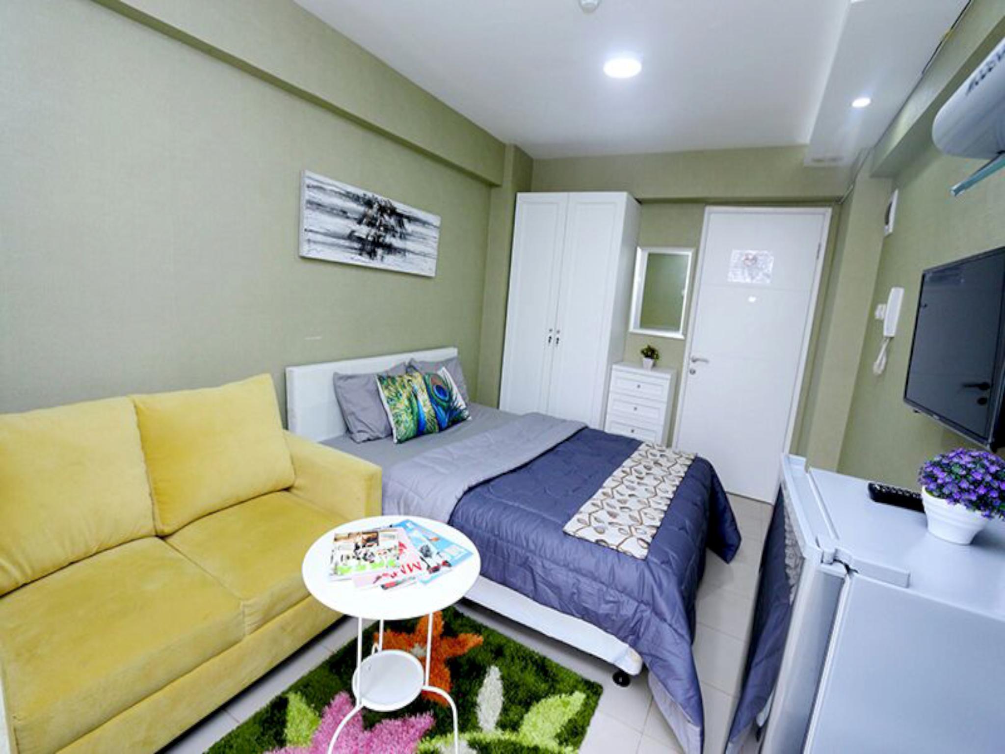 Studio 3 Roomku.com @ Bassura City Apartment