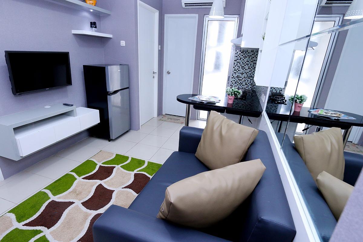 2 Bedroom 8 Roomku.com @ Bassura City Apartment