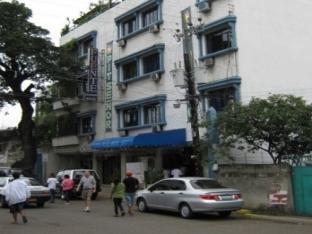 picture 3 of Fuente Pension House
