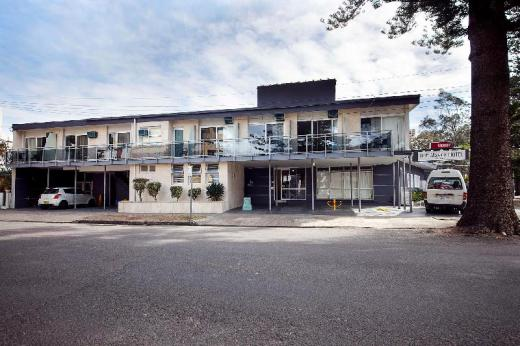 The Manly Hotel Est. 1964