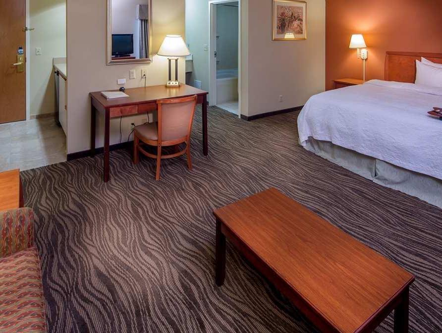 Hampton Inn And Suites Augusta West