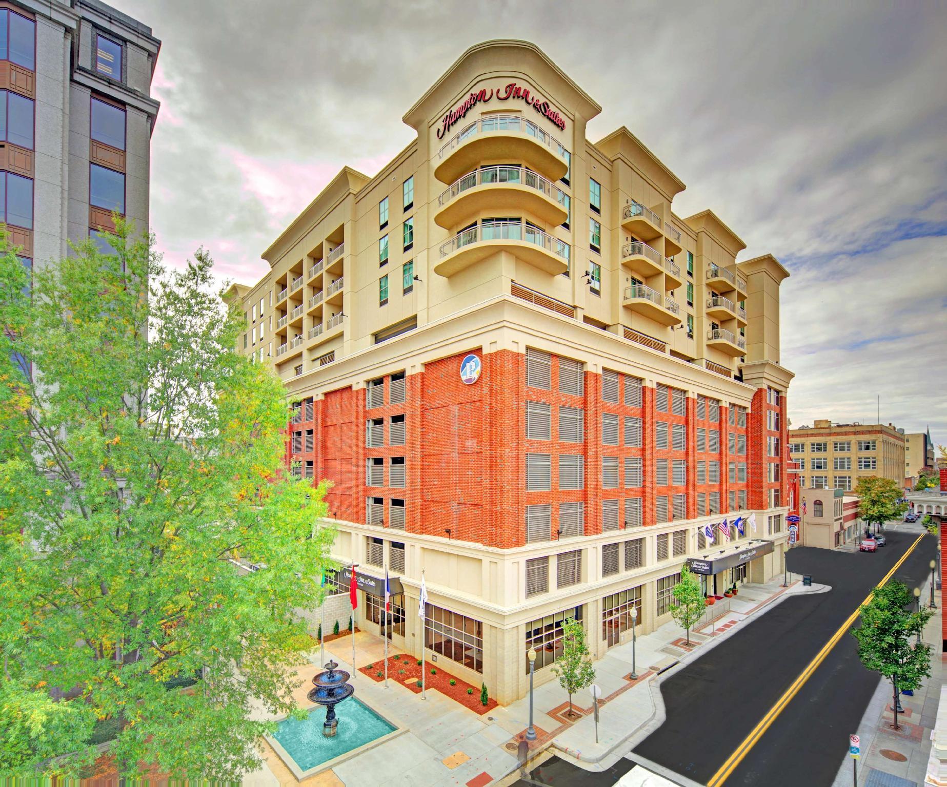 Hampton Inn And Suites Roanoke Downtown