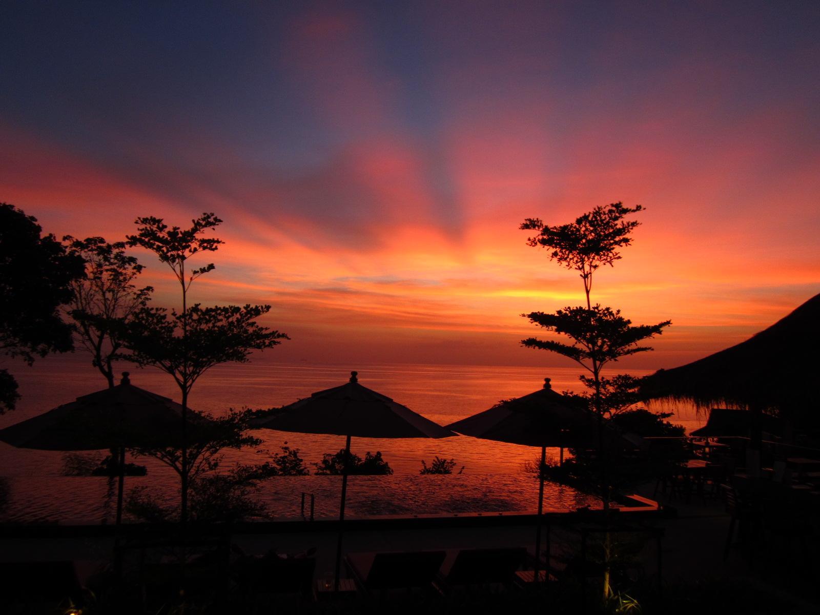 sea garden resort haad chao prow