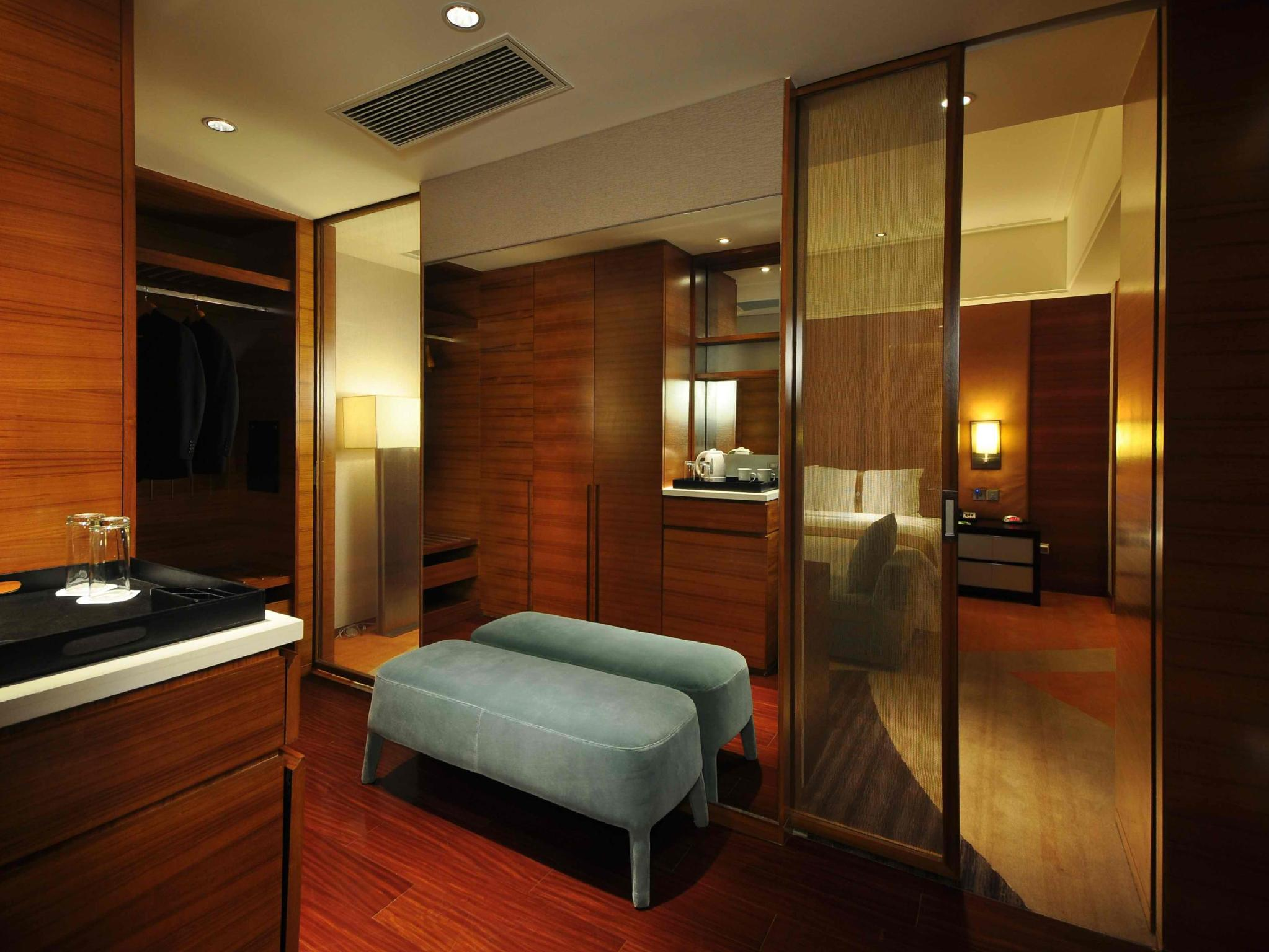 Discount Holiday Inn Qingdao City Center