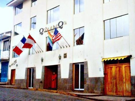 Qarmenqa Hotel
