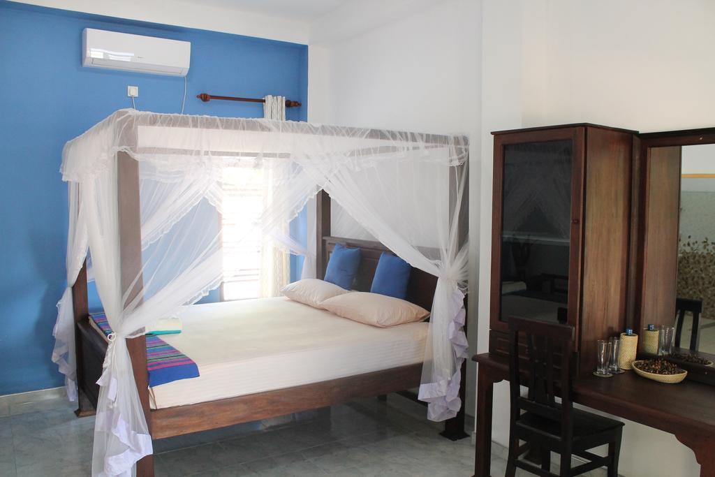 Akurala Beach Park Guesthouse