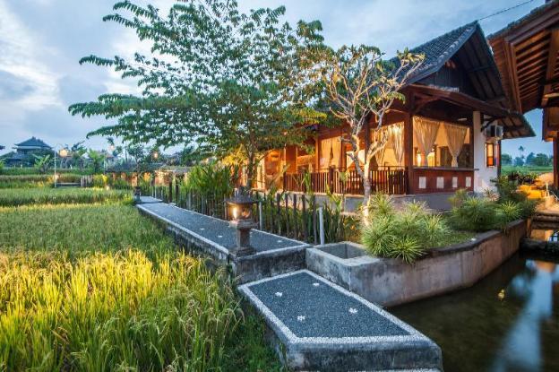4 BR Amazing Villa Tirta Padi, Ubud
