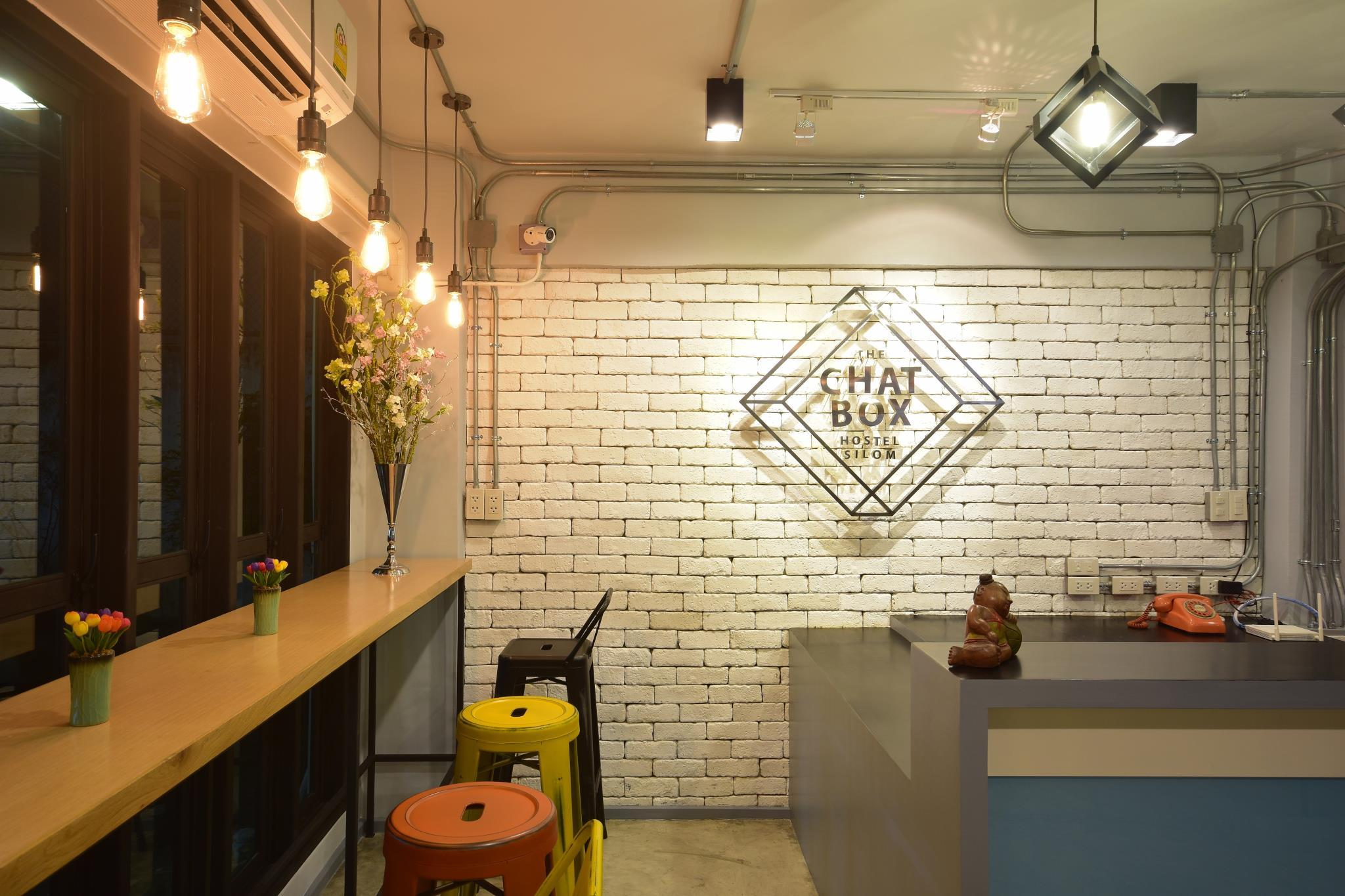 Review The Chatbox Silom Hostel
