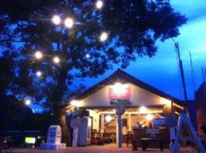 维格塔罗咖啡宾馆 (Vieng Thara Guesthouse and Cafe)