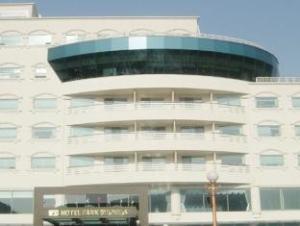 Gumi Park Business Hotel
