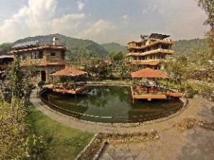 關於綠色和平度假村 (Green Peace Resort)
