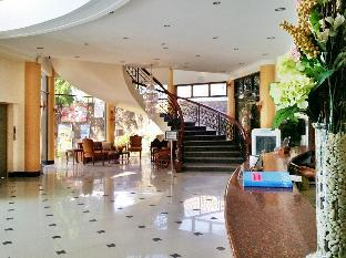 picture 5 of Crown Royale Hotel