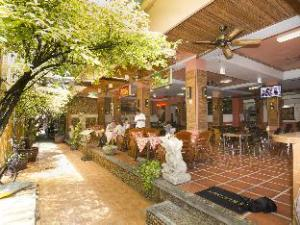 Khaosan Holiday Guesthouse